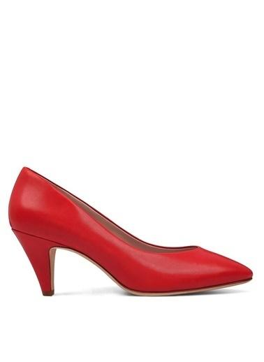 Nine West Kısa Topuklu Sivri Burun Ayakkabı Kırmızı